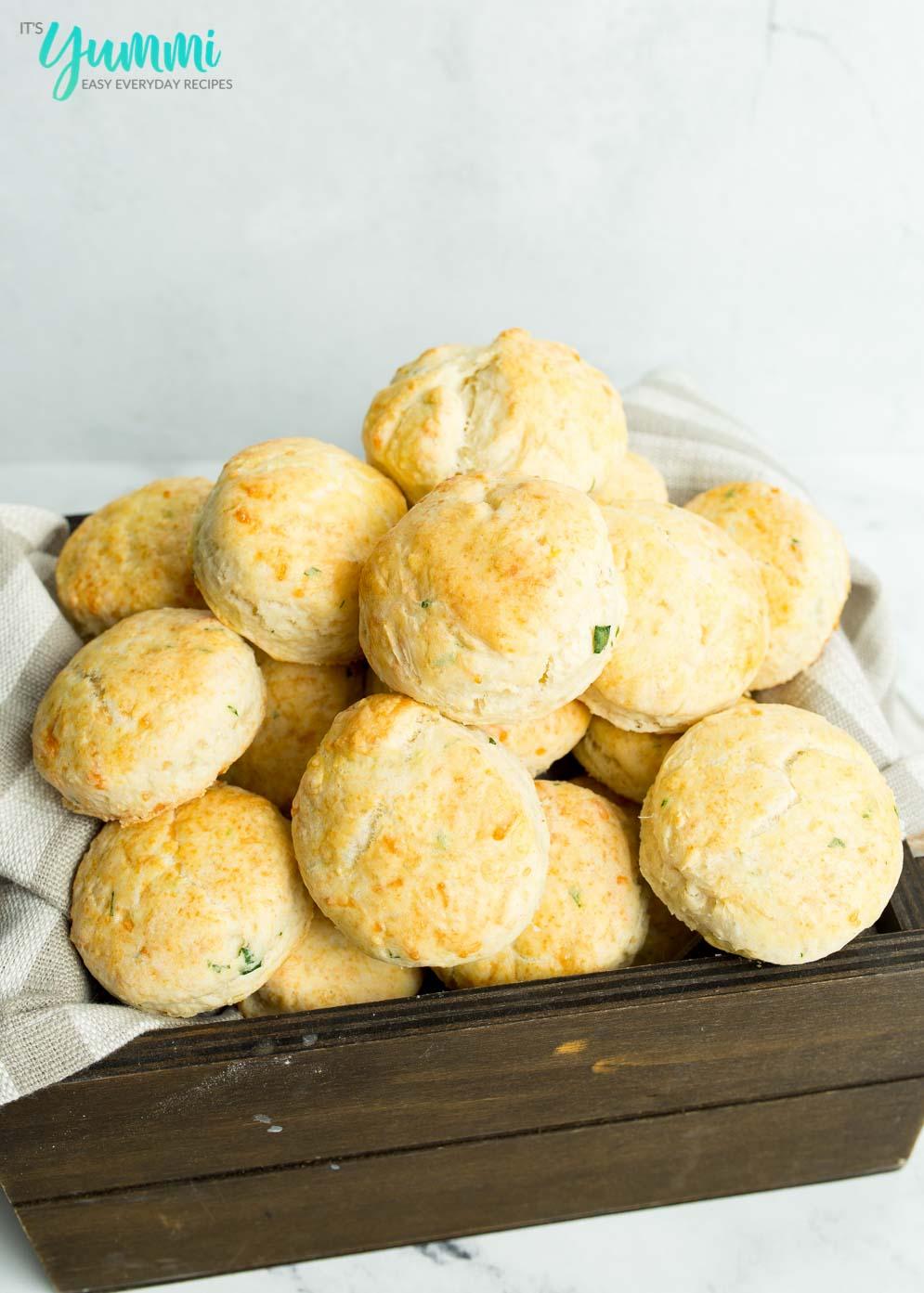 Baked Cheddar Bay Biscuits in wooden basket