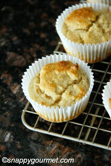 Almond Flour Muffins from Snappy Gourmet - Part of a healthy almond recipes collection on ItsYummi.com