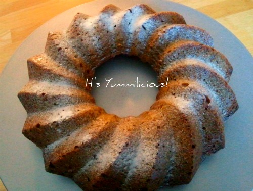 Pumpkin Pound Cake from ItsYummi.com