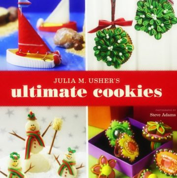 Ultimate Cookies Cookbook Review and a delicious sugar cookie recipe that's perfect for holiday cutout cookies! See them on itsyummi.com