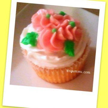 Meyer Lemon Cupcake Recipe from ItsYummi.com