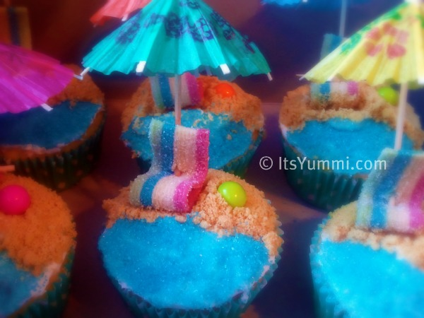 A Day at the Beach Cupcakes from ItsYummi.com