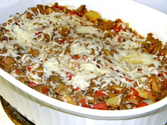 casserole made with chicken and spaghetti squash