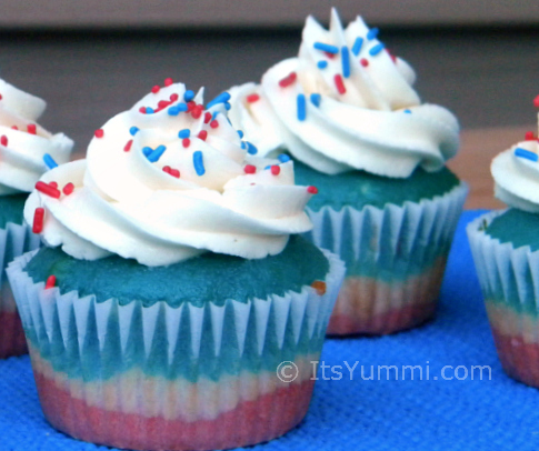 Old Glory Cupcakes from ItsYummi.com