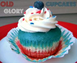 "Patriotic recipes don't get much more fun than these ""Old Glory"" patriotic cupcakes! They're a fun snack or dessert for the 4th of July or Memorial Day. Get the recipe from ItsYummi.com"