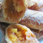 Apple Pie Egg Rolls - ItsYummi.com