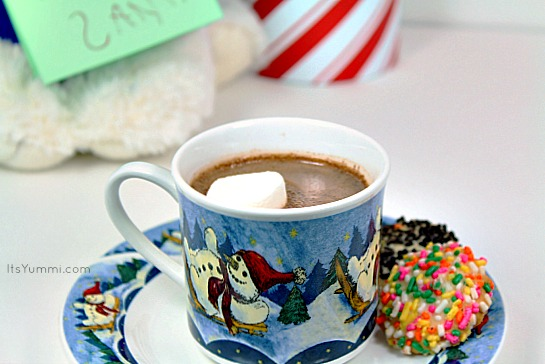 The Perfect Hot Chocolate from ItsYummi.com