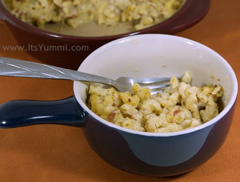 Chicken Bacon Ranch Mac & Cheese from ItsYummi.com #recipe