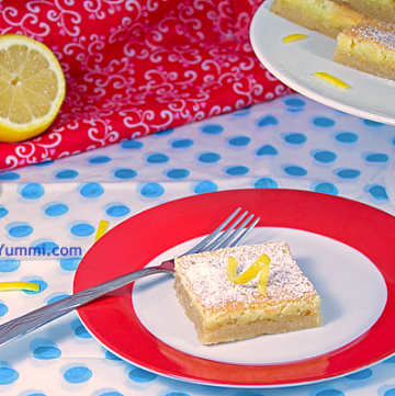 Lip Smacking Good Lemon Bars from ItsYummi.com #dessert #recipe
