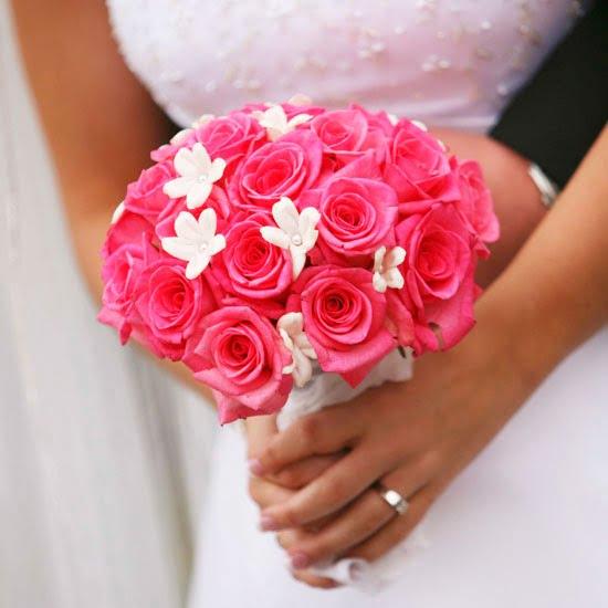 pink roses and white stephanotis from BHG.com