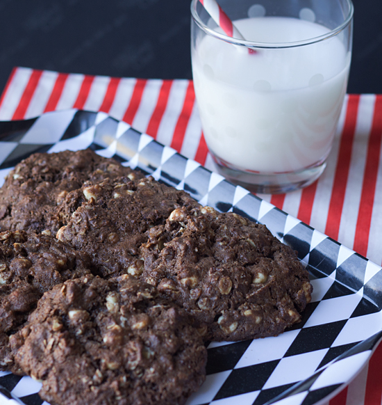 Double Chocolate Peanut Butter Oatmeal Cookies from ItsYummi.com #Recipe #Cookies #BobsRedMill