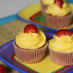 Strawberry Lemonade Cupcakes from ItsYummi.com