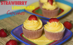 Strawberry Lemonade Cupcake recipe from ItsYummi.com - what a great fresh fruit dessert!
