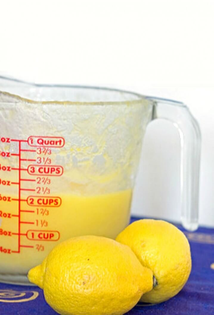 Microwave Lemon Curd - Make this quick and easy dessert in the microwave, in just 5 minutes! Get the recipe from itsyummi.com