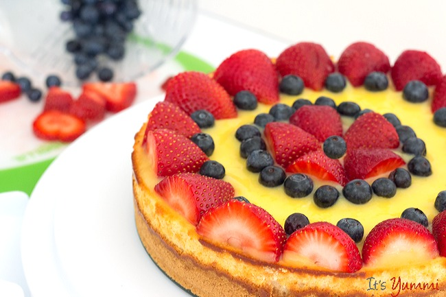 Berry Lemon Cheesecake from ItsYummi.com