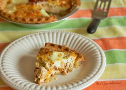 Loaded with protein! Cheesy chicken bacon egg white quiche from ItsYummi.com