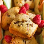 These raspberry chocolate chip muffins from @Itsyummi make the perfect treat any time of day! They were made using the Pampered Chef Brownie Pan #pamperedchef #recipe