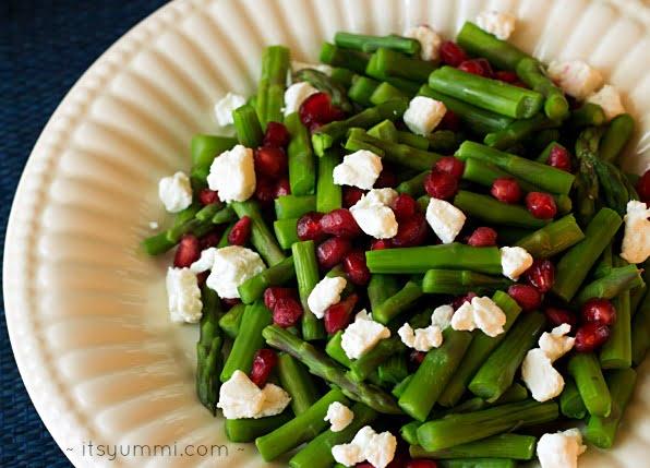 jeweled asparagus with Greek yogurt cheese ~ itsyummi.com