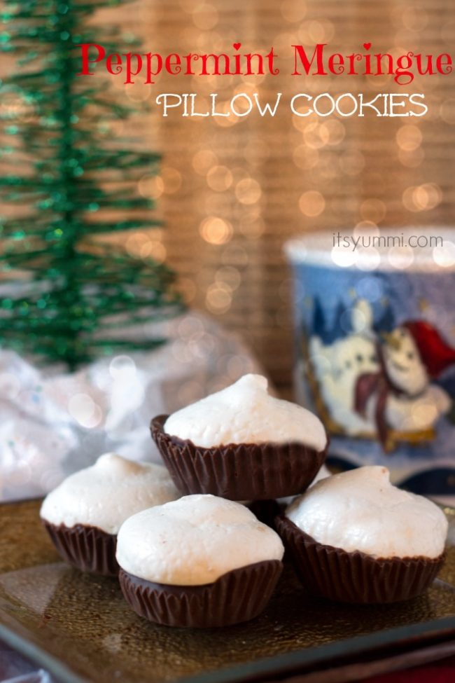 Peppermint Meringue Pillow Cookies from ItsYummi!