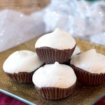 """Peppermint Meringue Pillow Cookies from It's Yummi! - Delicate, light peppermint meringue cookies sit atop bittersweet chocolate """"pillows"""", creating a beautiful and delicious holiday cookies."""