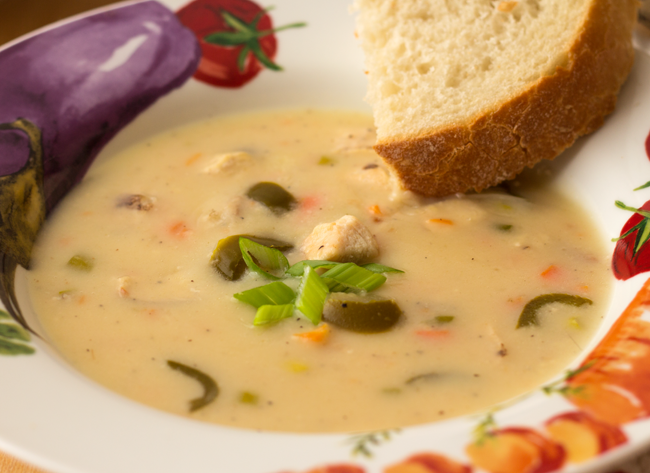 Slow Cooker Jalapeno Chicken Beer Cheese Soup Recipe from ItsYummi.com - This zesty soup will warm you up on the coldest of days!