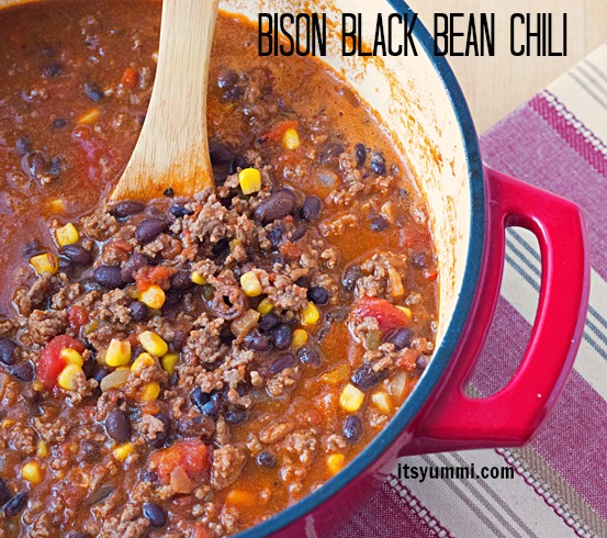 Bison and Black Bean Chili Recipe from ItsYummi - lean and loaded with flavor!