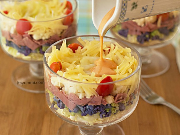 Healthy Reuben Salad from itsyummi.com with a low carb 1000 Island Dressing!