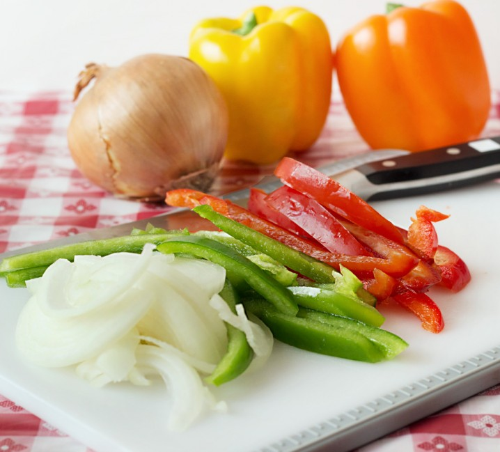 Chicken Fajita Cheeseburger preparation from ItsYummi.com #SayCheeseburger #shop