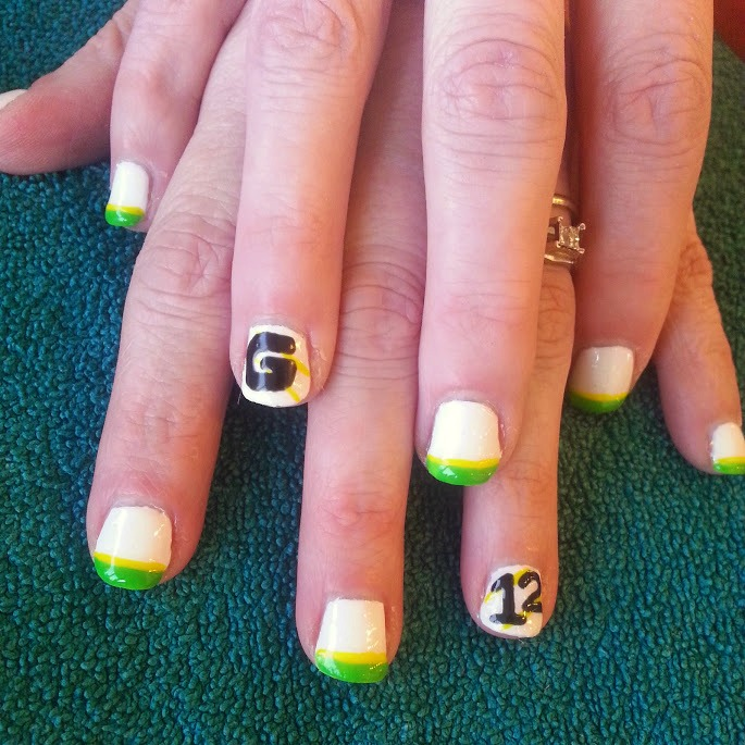 of natural nails - Green Bay Packers Design with a shellac finish