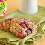 Peanut Butter M&M Applesauce Cookies from ItsYummi.com #FlavorofFall #CollectiveBias #shop