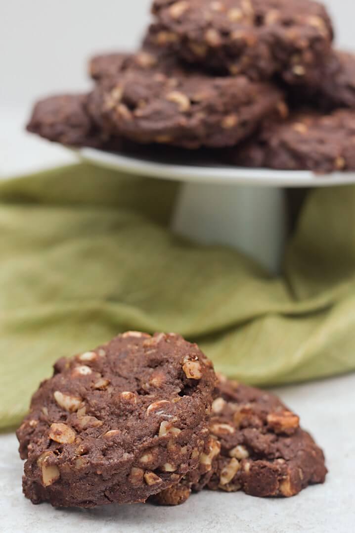 Triple Chocolate Cookies - Recipe from itsyummi.com