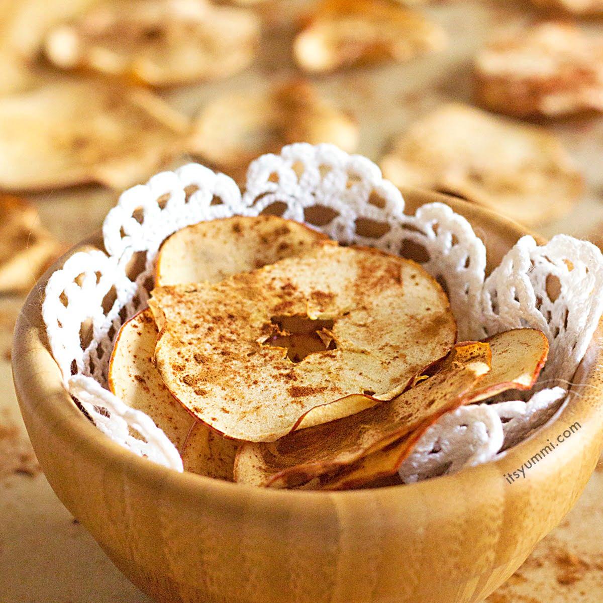 Cinnamon Baked Apple Chips Recipe ⋆ Its Yummi