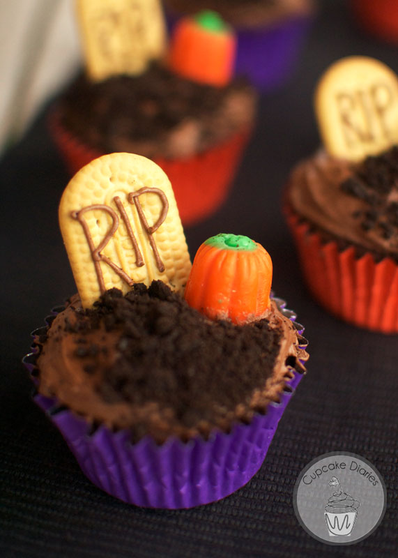 Fun Halloween Cupcake Recipe Roundup - Graveyard Cupcake from Cupcake Diaries