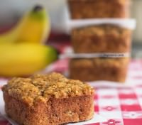 These low carb banana bread bites might be the most addictive and delicious snack I've ever made! Get the recipe from ItsYummi.com