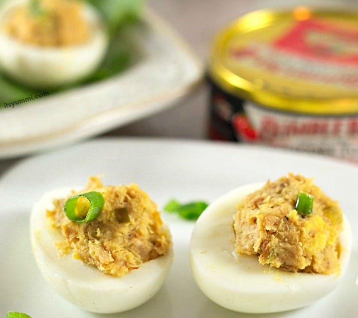 Healthy Tuna Deviled Eggs Recipe - This appetizer is paleo and low in saturated fat!