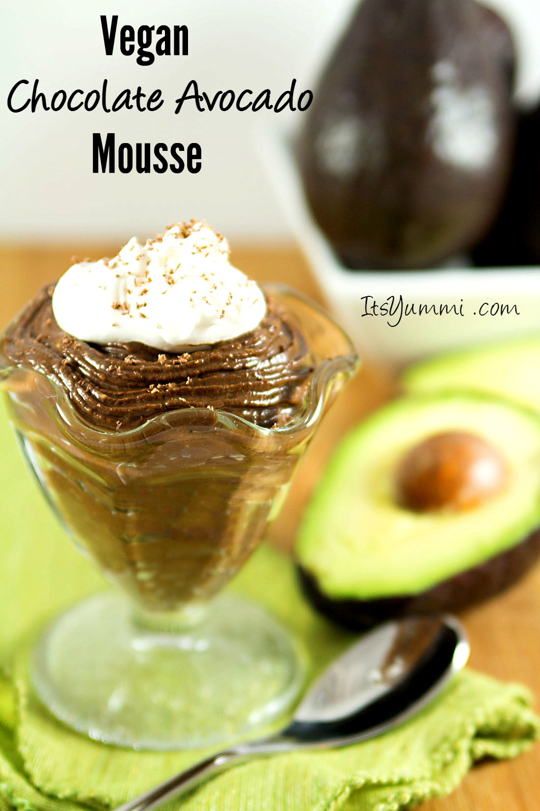 Healthy Dark Chocolate Avocado Mousse