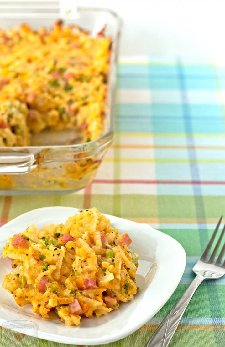 This is my favorite comfort food recipe! Broccoli Cheddar Hashbrown Casserole with Ham. Great for brunch or dinner.