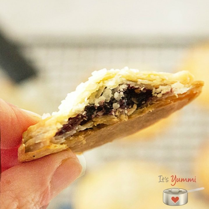 All the taste of cherry pie in a bite sized cookie! This cherry pie cookies recipe is perfect for Valentine's Day!