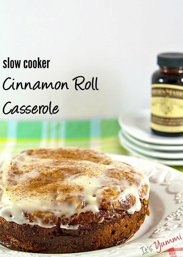 Easy Slow Cooker Cinnamon Roll Casserole recipe - get it from @itsyummi