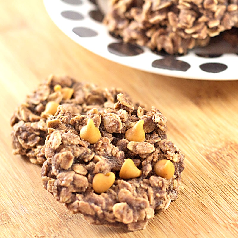 Chocolate Peanut Butter No Bake Cookies Recipe - Rolled oats, natural peanut butter and real cocoa come together to form this easy to make, no bake cookie. Get the recipe from itsyummi.com