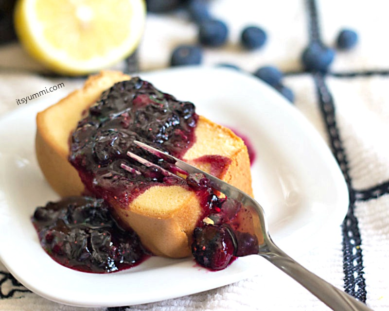 Blueberry Lemon Dessert Sauce, plus instructions on home water bath canning! Get the tutorial and recipe from @itsyummi