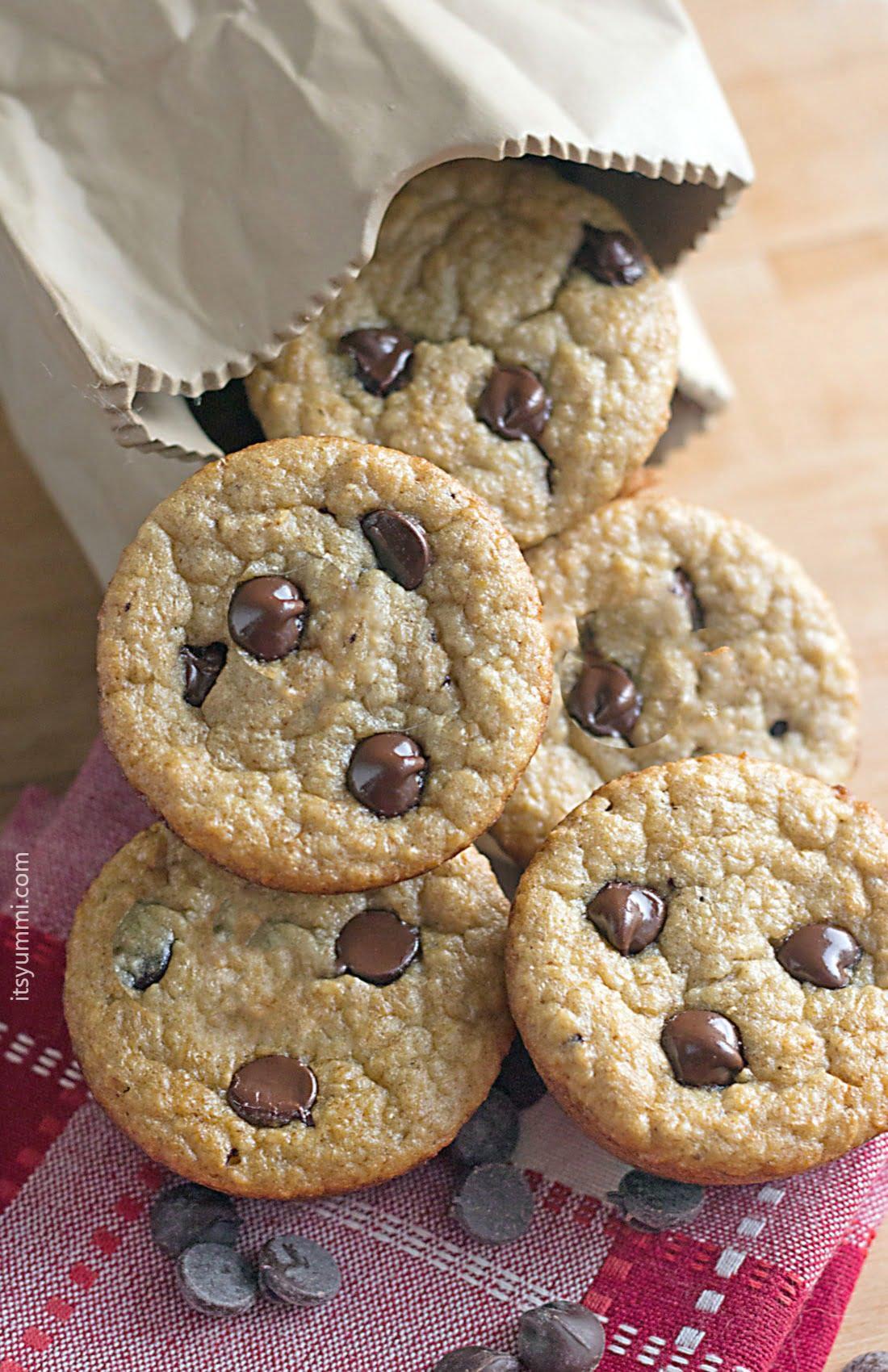 Chocolate Chip Banana Blender Muffins ⋆ Its Yummi