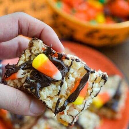 Halloween Rice Krispie Treats #halloween #trickortreat #snacks